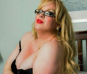 Escorte Sexy - Bucuresti - Transexuala blonda cu experiență pt tine domn serios.  Se poate juca și la tel daca doresti.  Sau vino în locația mea, zona Bucur Obor.